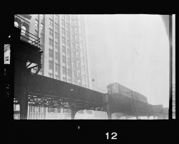 View-from-street-level-of-the-L-elevated-railway-in-Chicago-Illinois-598x481