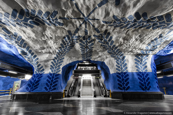 Alexander-Dragunov-Stockholm-Subway-Photography-5