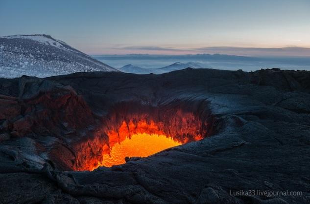 lusika33_erupting_volcano13