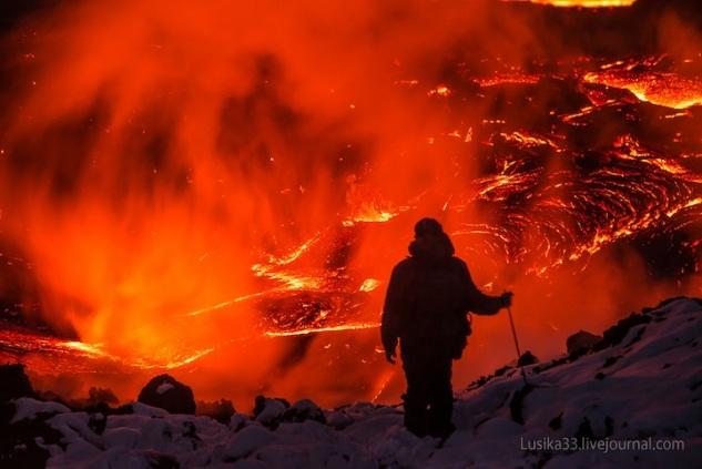 lusika33_erupting_volcano3