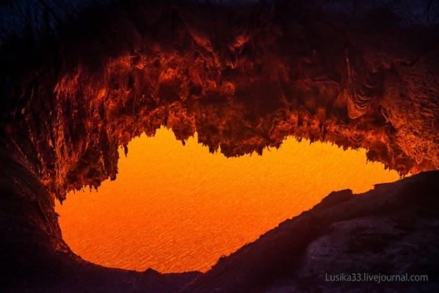 lusika33_erupting_volcano4