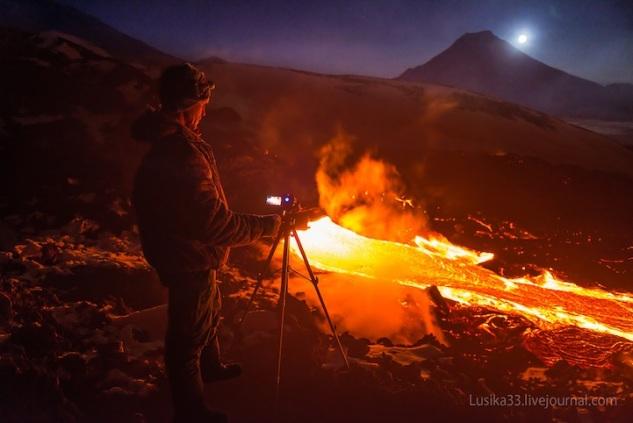 lusika33_erupting_volcano6