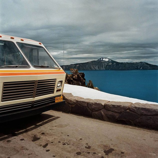 Motorhome-at-Overlook-Crater-Lake-National-Park-OR-19801