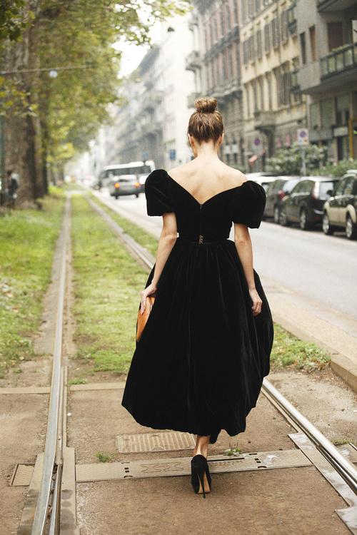 black dress stunning