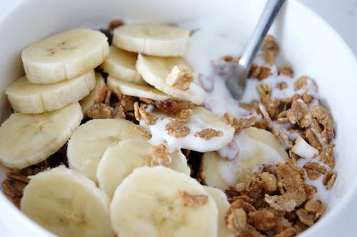 cereals banana milk